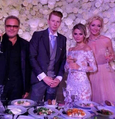 Никита Пресняков женился