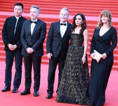 Наряды звезд на открытии Московского кинофестиваля в 2018 году